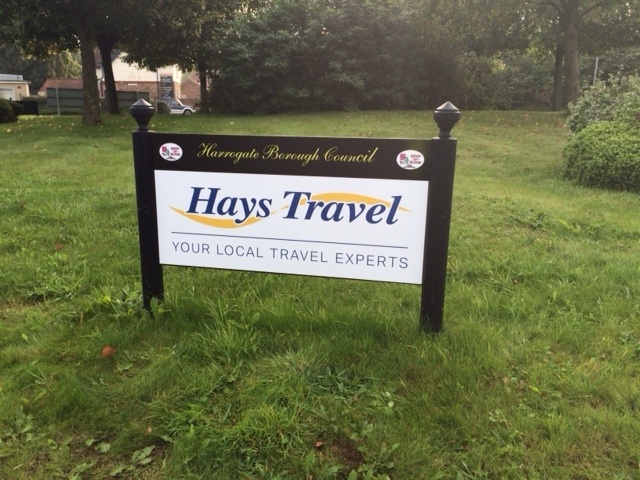 Hays Travel Roundabout Sign